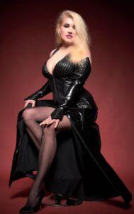 Domina Lady Cynthia